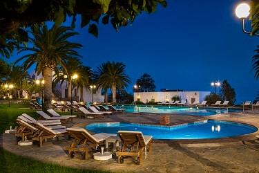 020 Zwembad bij nacht