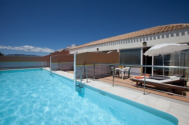 029 zwembad suites
