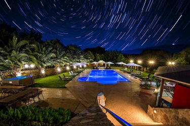 039 resort at night