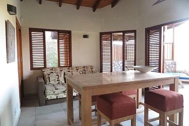 058 Bungalow Living room