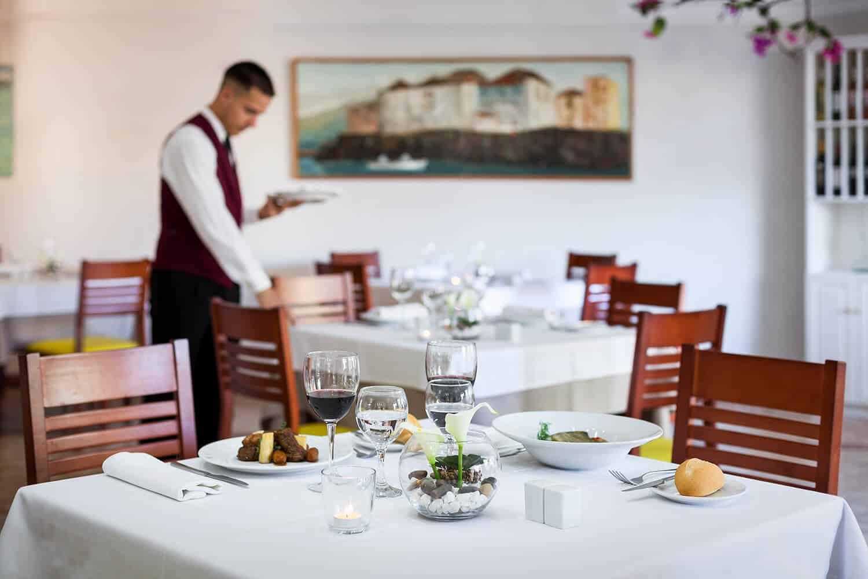 063 restaurant 1