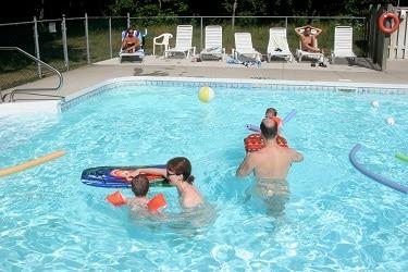 Bare Oaks zwembad