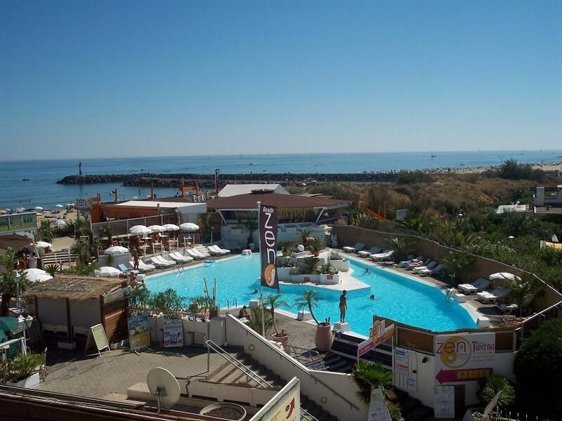 Cap-dAgde-zwembad-bij-strand