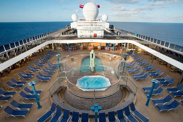 Carnival-Legend-Camelot-Pool
