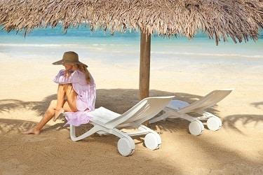 Couples Sans Souci Beach
