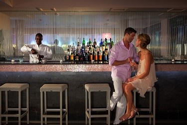 Couples Towel Isle Piano Bar-1