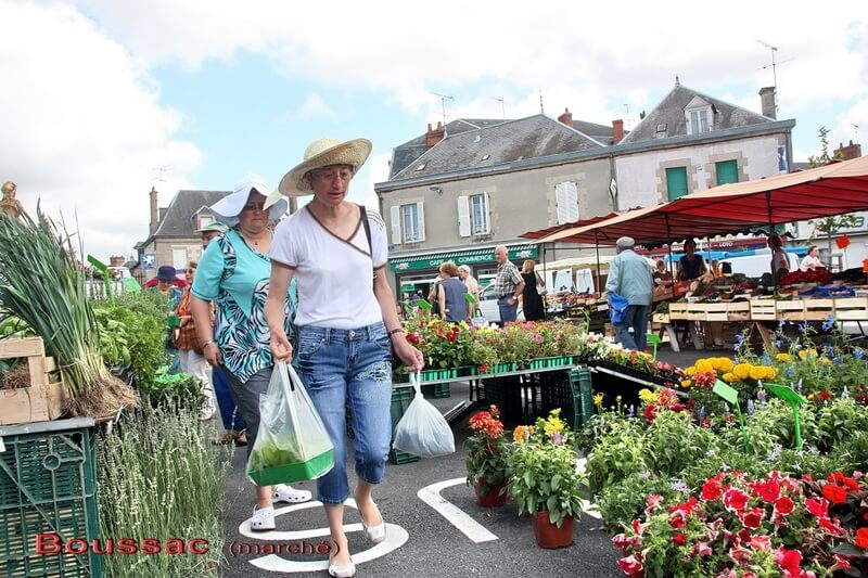 Creuse-Nature-Markt-in-Boussac