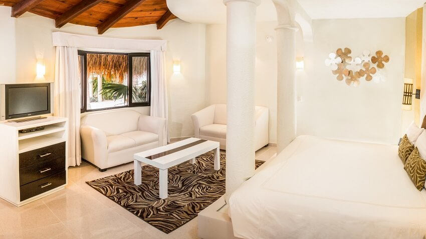 Desire-Resort-Jacuzzi-Gardenview