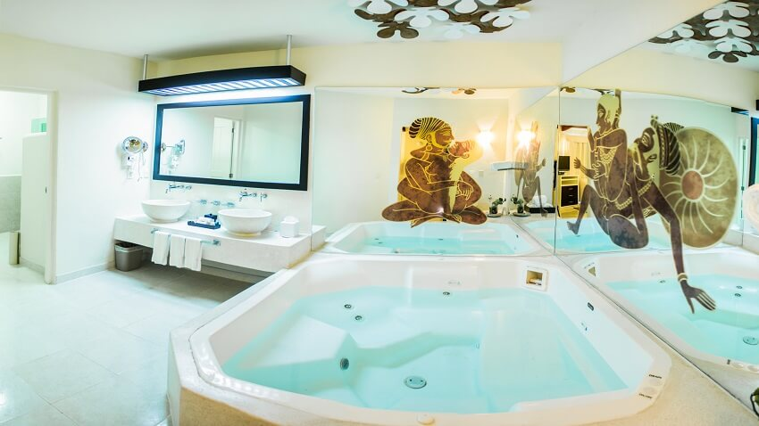 Desire-Resort-Jacuzzi-Oceanview