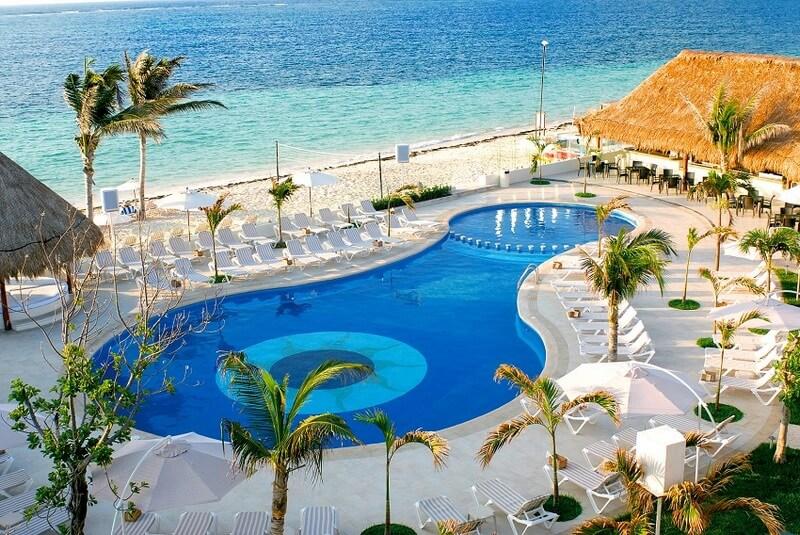 Desire-Resort-Zwembad