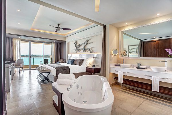 Grand-Lido-Sunset-Ocean-View-Suite
