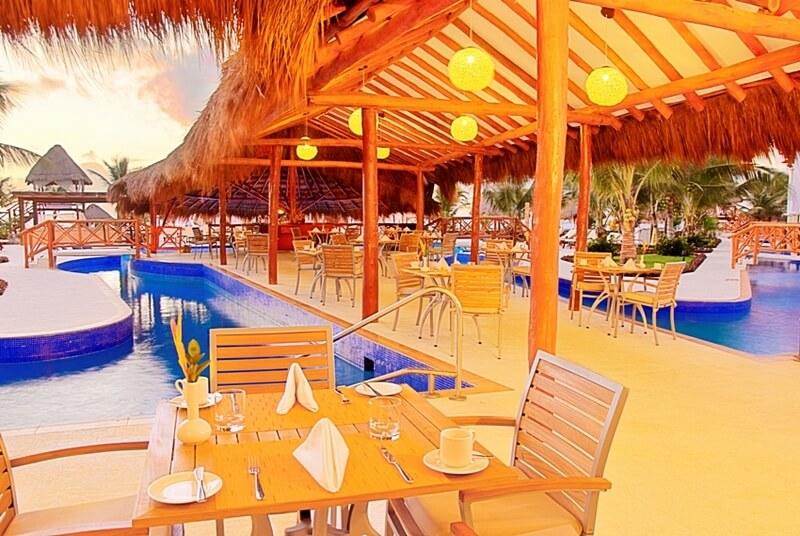 Hidden-Beach-La-Vista-Restaurant