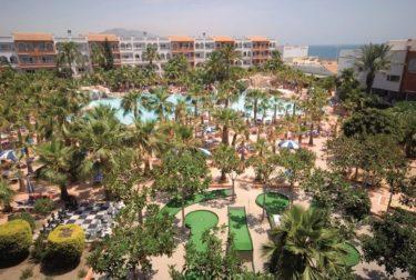 Hotel-vera-playa-overzicht-zwembad