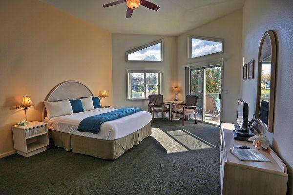Laguna-del-Sol_Luxury-Room