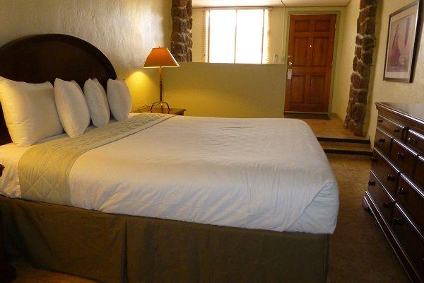 Mira-Vista_Standard-Room