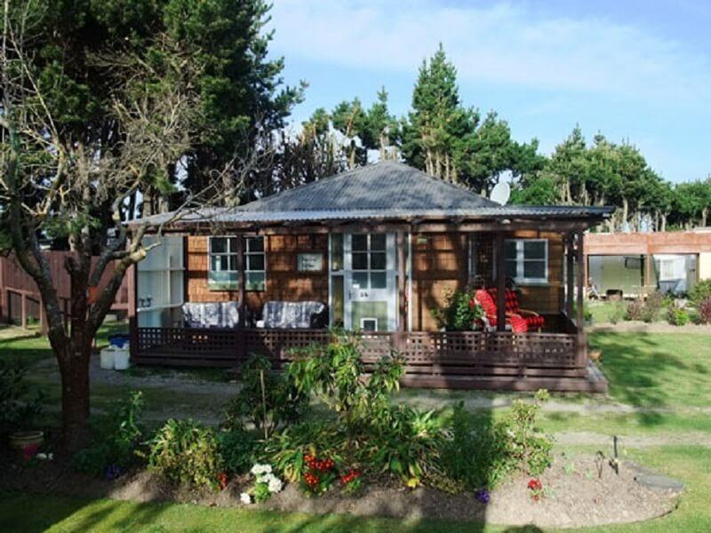 Nieuw-ZeelandPineglades-cabin
