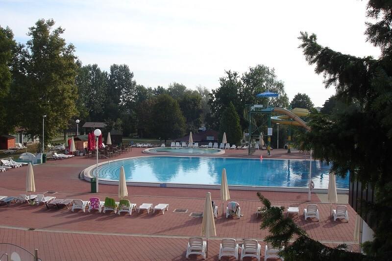 Terme-Banovci-textielzwembad