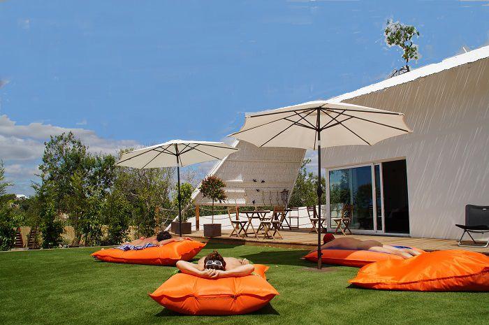 Vilapura-relax-in-garden